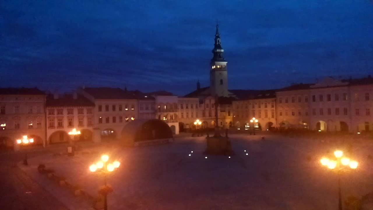 Pohled na Masarykovo náměstí, které snímá webová kamera