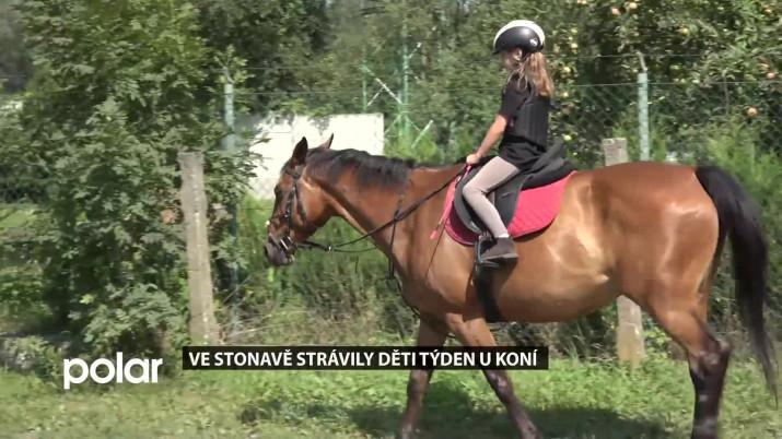 Ve Stonavě strávily děti týden u koní