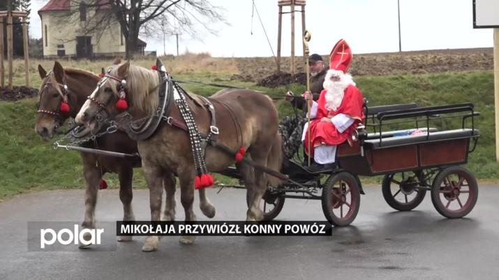 Mikołaja przywiózł konny powóz