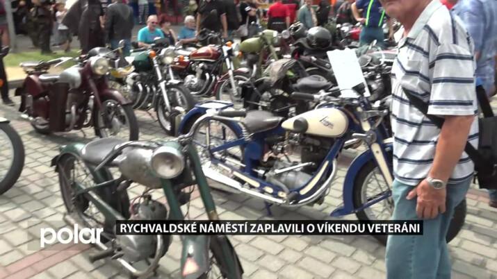 Rychvaldské náměstí zaplavili o víkendu veteráni