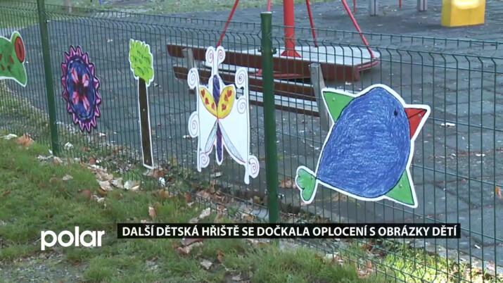 Další hřiště ve F-M se dočkala oplocení. Ploty zdobí obrázky dětí ze základních škol