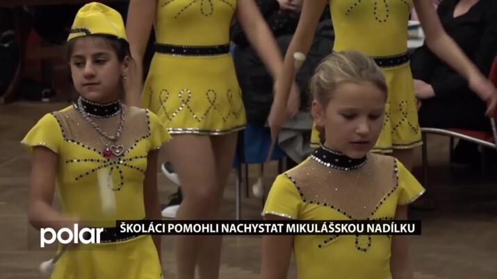 Školáci pomohli nachystat mikuláškou nadílku, Anděla na holičkách nenechali
