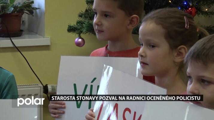 Stonavští senioři strávili předvánoční čas s předškoláky, na mezigenerační setkání se v obci klade velký důraz