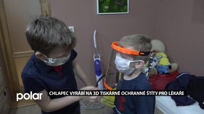V krizi pomáhají i děti. Chlapec vyrábí na 3D tiskárně ochranné štíty pro lékaře