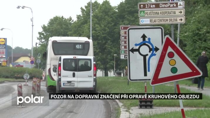 Pozor na dopravní značení při opravě kruhového objezdu u nemocnice v Orlové