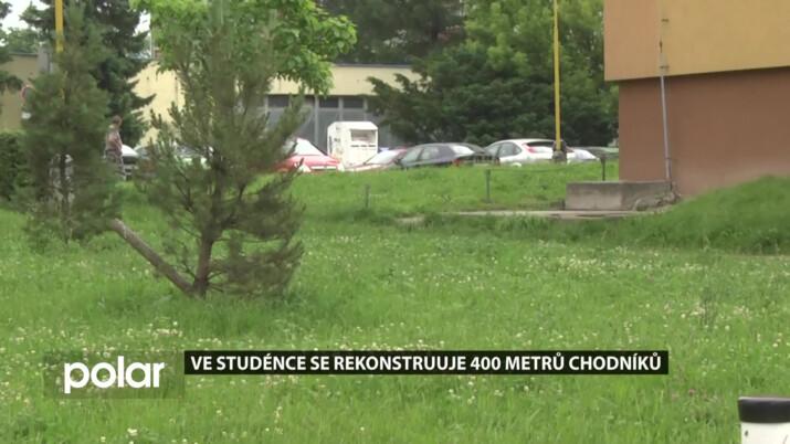 Ve Studénce se rekonstruuje 400 metrů chodníků